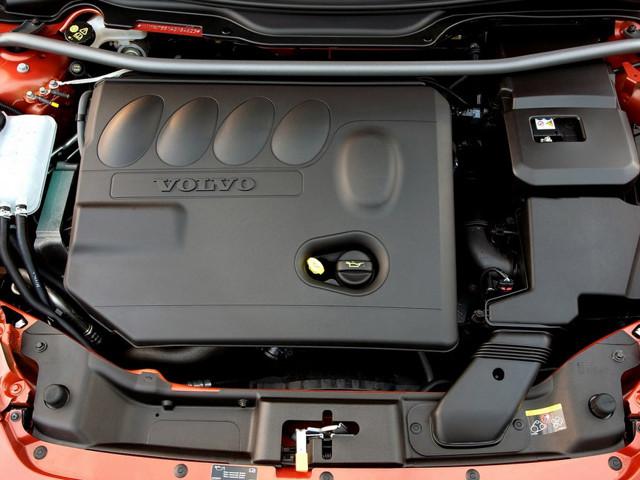 Двигатели Вольво c30: характеристики, расход топлива